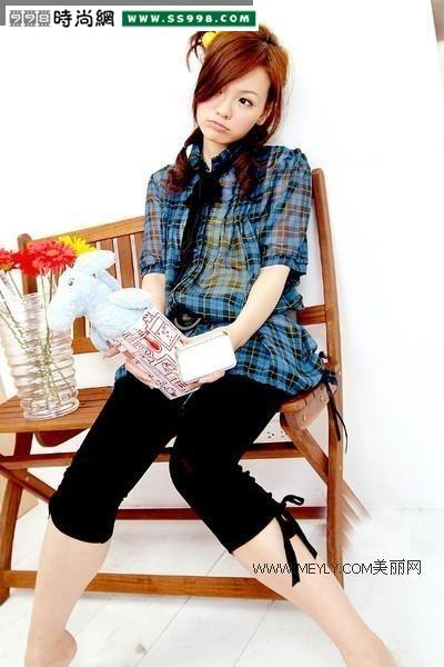 夏季弹力紧身裤 夏季紧身裤的恶劣穿法 重庆夏季街拍紧身裤图片