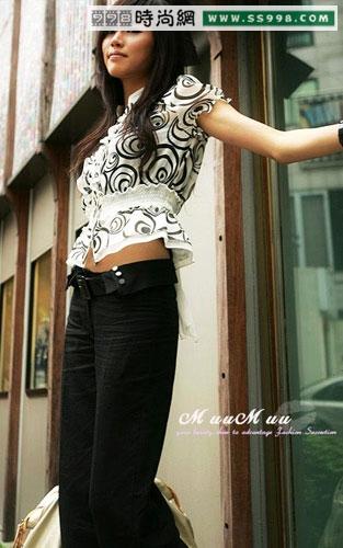 韩国美女示范修身长裤与t恤搭配(3)