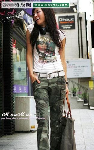 韩国美女示范修身长裤与t恤搭配