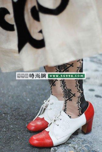 腿部时尚如何搭配鞋子和袜子(3)