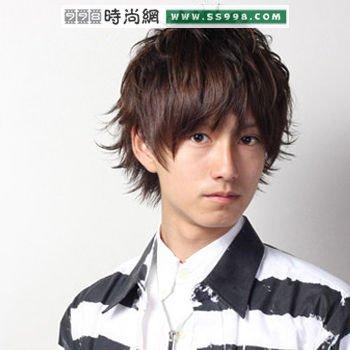 夏季男士蓬松发型图片(3)